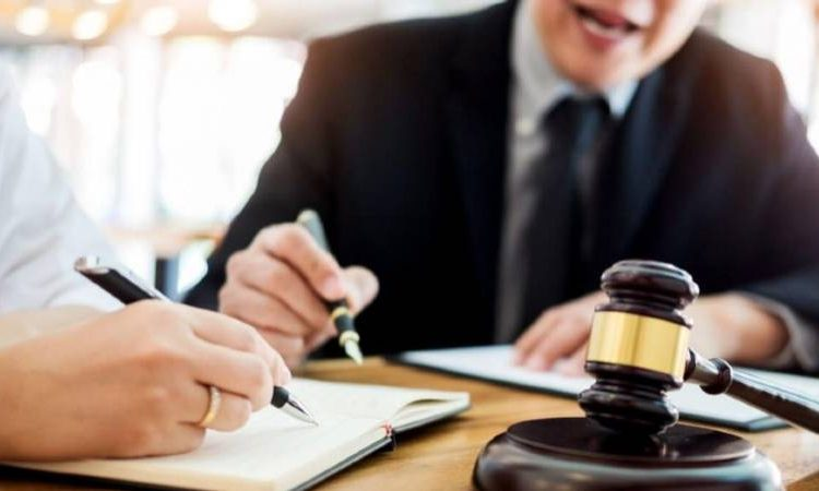 What Sort of Cases do Employment Lawyers Deal With?